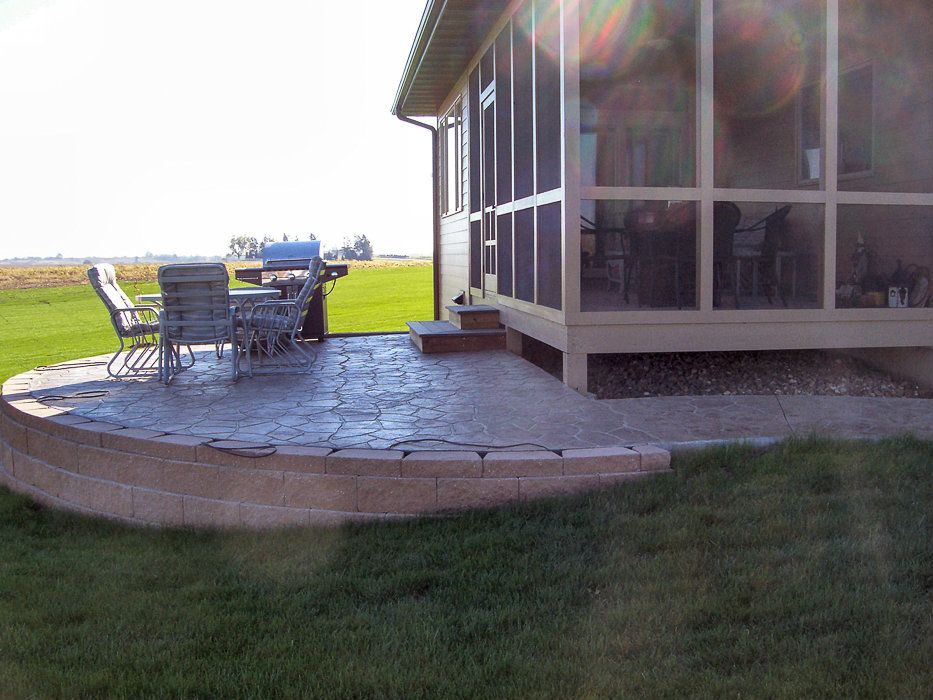 Forever Green Coralville Iowa Retaining Walls raised patio