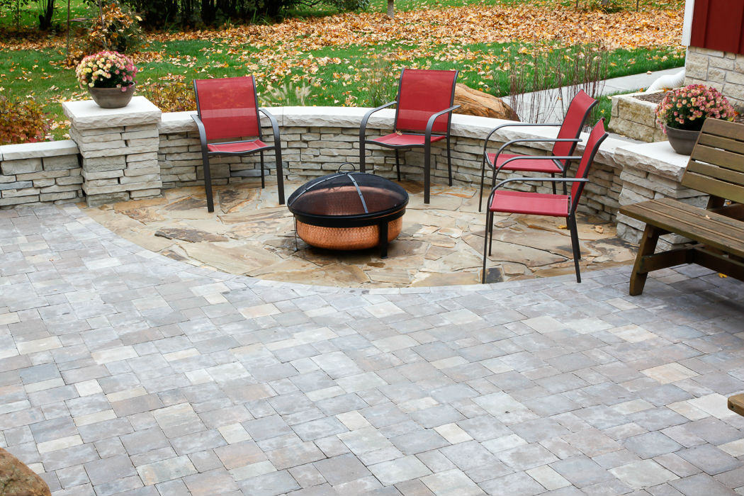 Forever Green Coralville Iowa Patios fire pit wall landscaping
