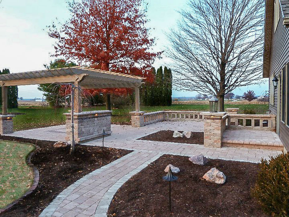 Forever Green Coralville Iowa Patios walkway stone wall