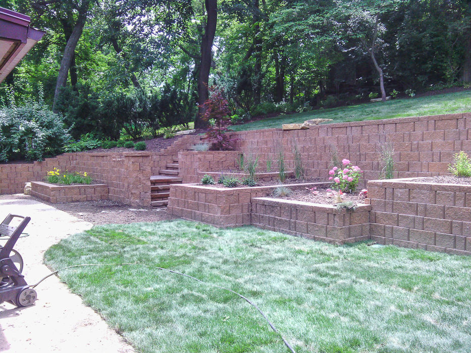 Forever Green Coralville Iowa Retaining Walls stone landscaping
