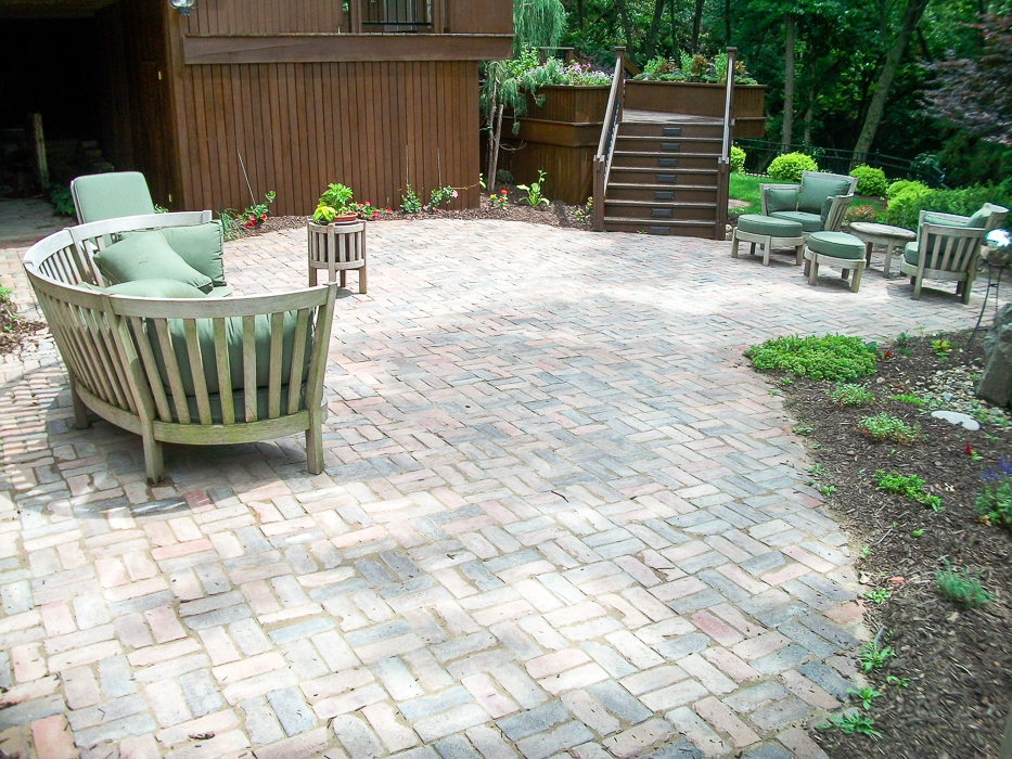 Forever Green Coralville Iowa Patios Natural Patio Brick