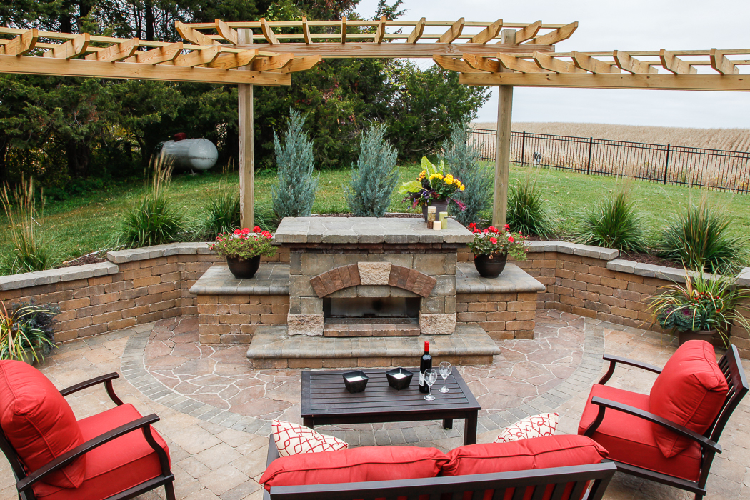 Forever Green Grows Coralville Iowa Fire Pits Outdoor Kitchen Grill Patio